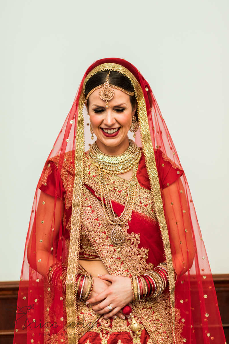 English bride in Indian wedding dress