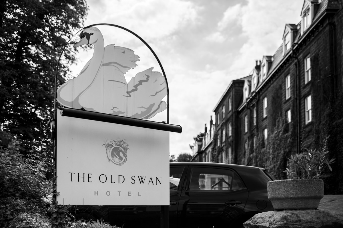 Sing of old swan hotel in Harrogate